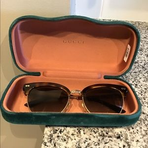 Gucci Sunglasses With Velvet Case.